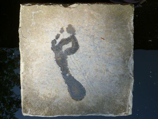 Fuß auf heißem Stein