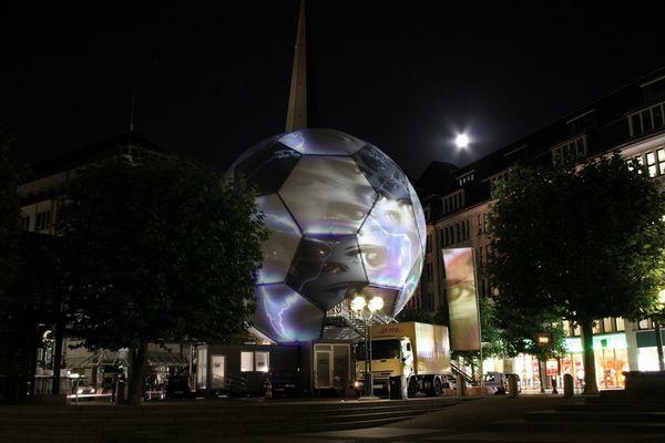 Fußball Globus in Hamburg