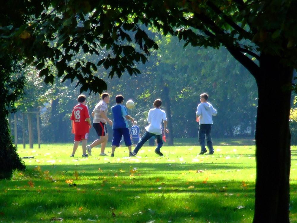 Fußball im Park