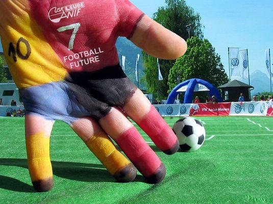 Fußball mit Handspiel