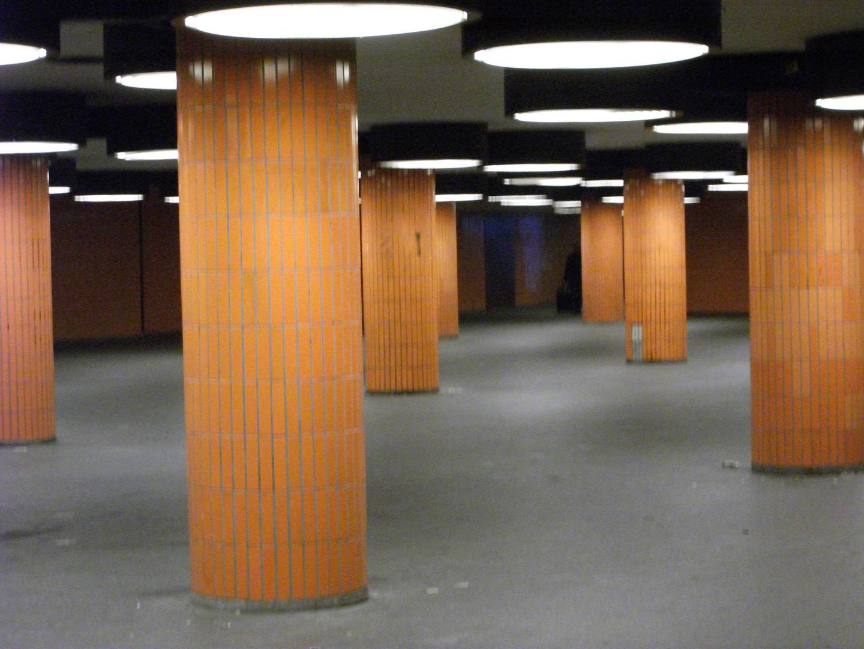 Fußgängertunnel im 70 Jahre Style, Berlin-ICC
