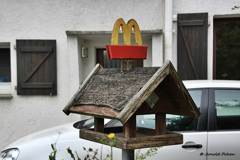 Futterhaus sponsored by McDonalds?