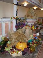 Gaben zum Erntedenkfest in der Kirche Vogelgesang