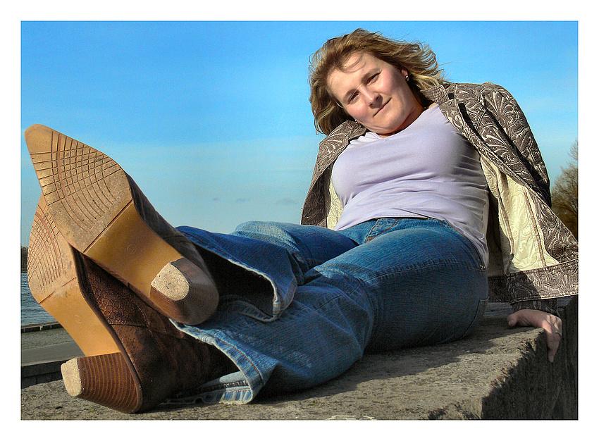 Gabi - Relaxed im Sonnenschein