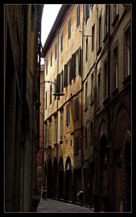Gässchen in Lucca