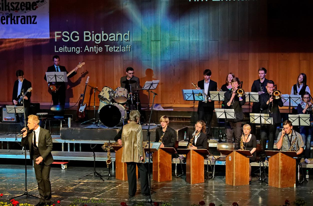 Galakonzert des MC Liederkranz, mit den Solisten Rebecca Kernbach und Tim Erlmann.