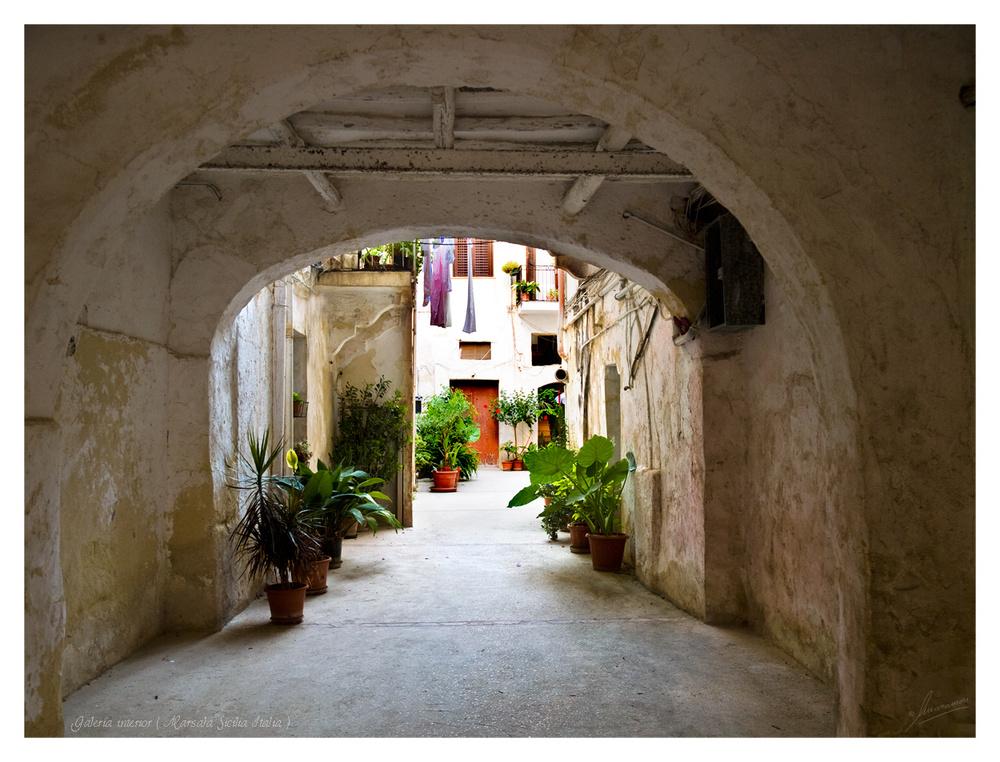 Galería interior ( Marsala Sicilia Italia )