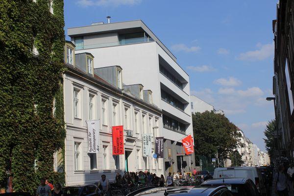 Galerieviertel Auguststrasse Blick von den Heckmann Höfen Berlin