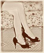 ...gambe...