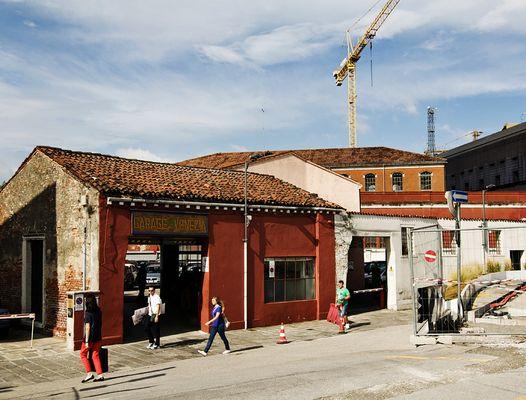 Garage Venezia    ( Farbe )