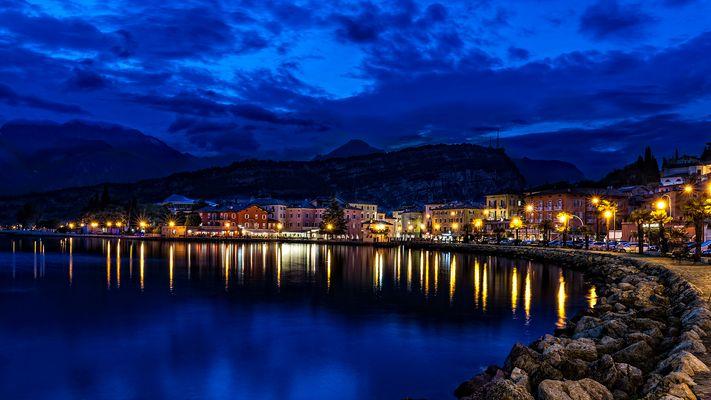 Gardasee - Turbel zur blauen Stunde