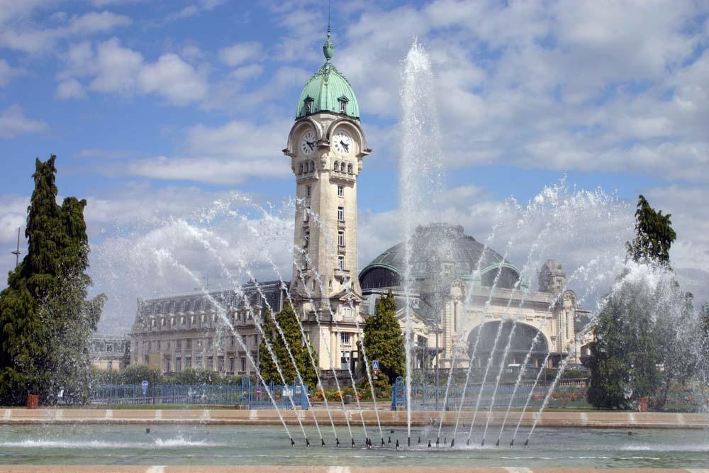 Gare de Limoges avec fontaine
