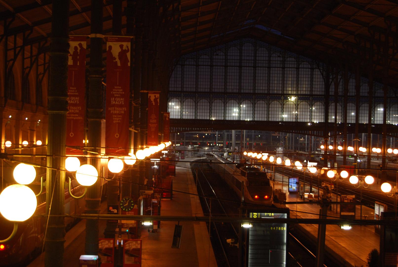 gare du nord, tôt