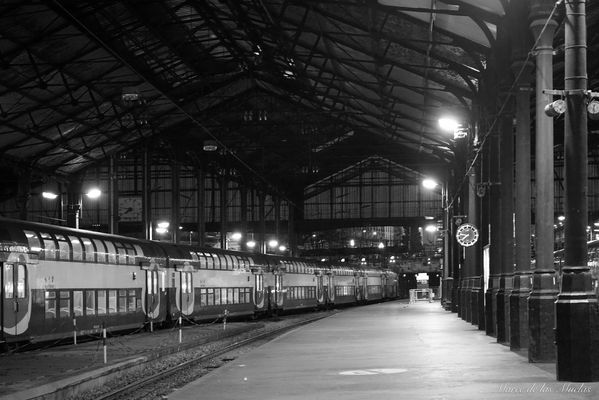...Gare Saint Lazare...