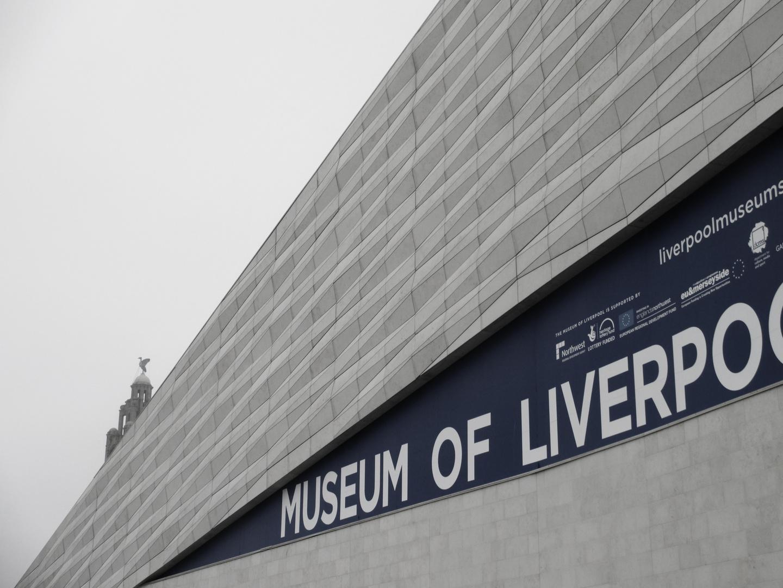gargoil über museum