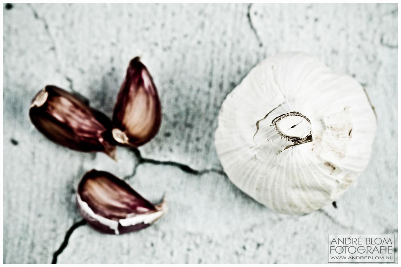 Garlich on concrete