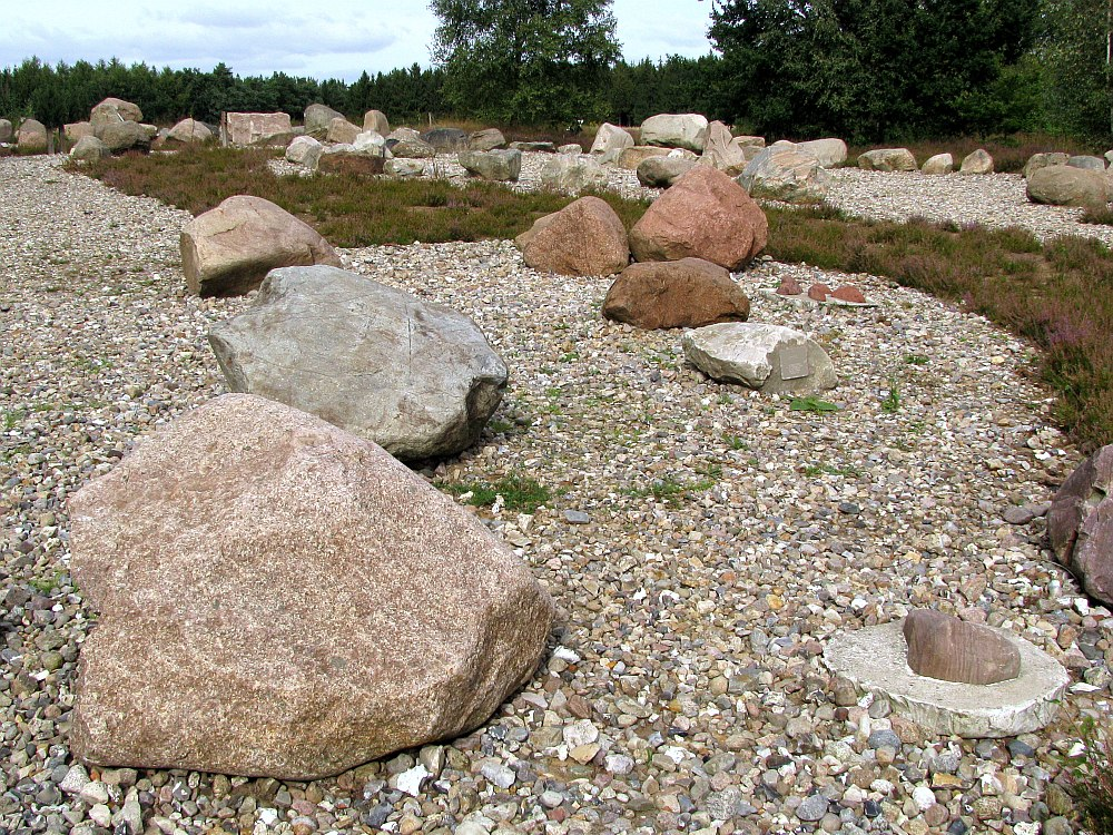garten der steine ii foto bild landschaft garten. Black Bedroom Furniture Sets. Home Design Ideas