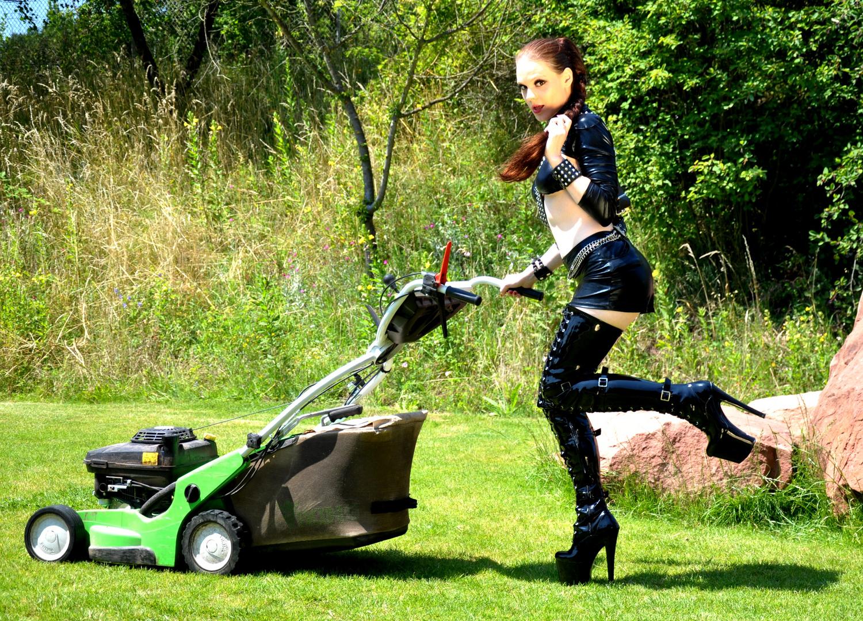Gartenarbeit  gartenarbeit Foto & Bild   erwachsene, menschen Bilder auf ...