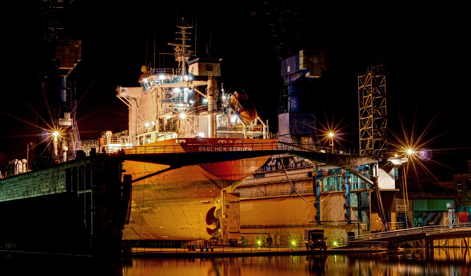 Gaschem Bergen im Dock