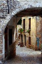 Gasse in Rovinj, Kroatien