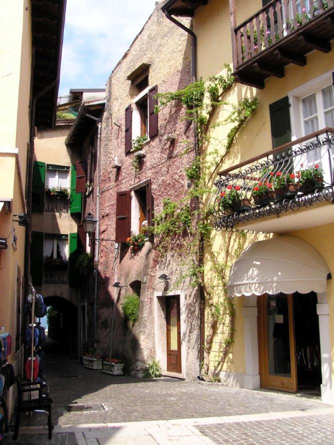 Gasse in Torri del Benaco