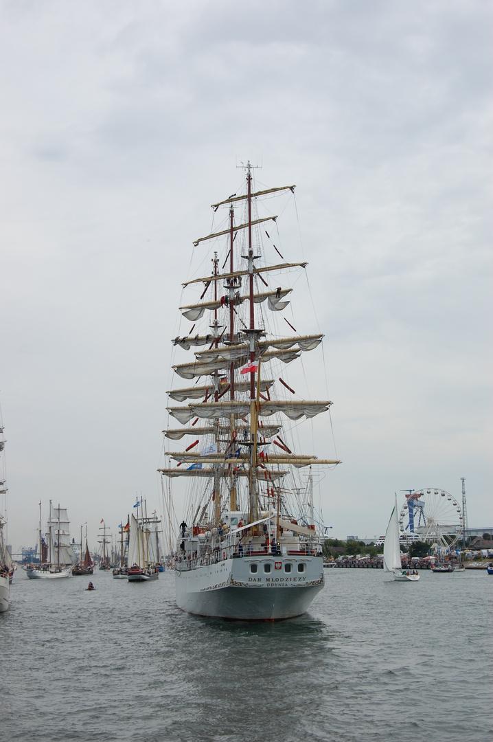 """Gast der Hanse Sail Rostock - die polnische """"Dar Mlodziezy"""""""