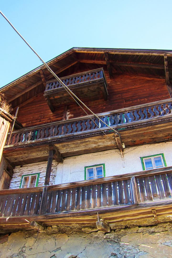 Gasteier Tal altes Bauernhaus am Berg
