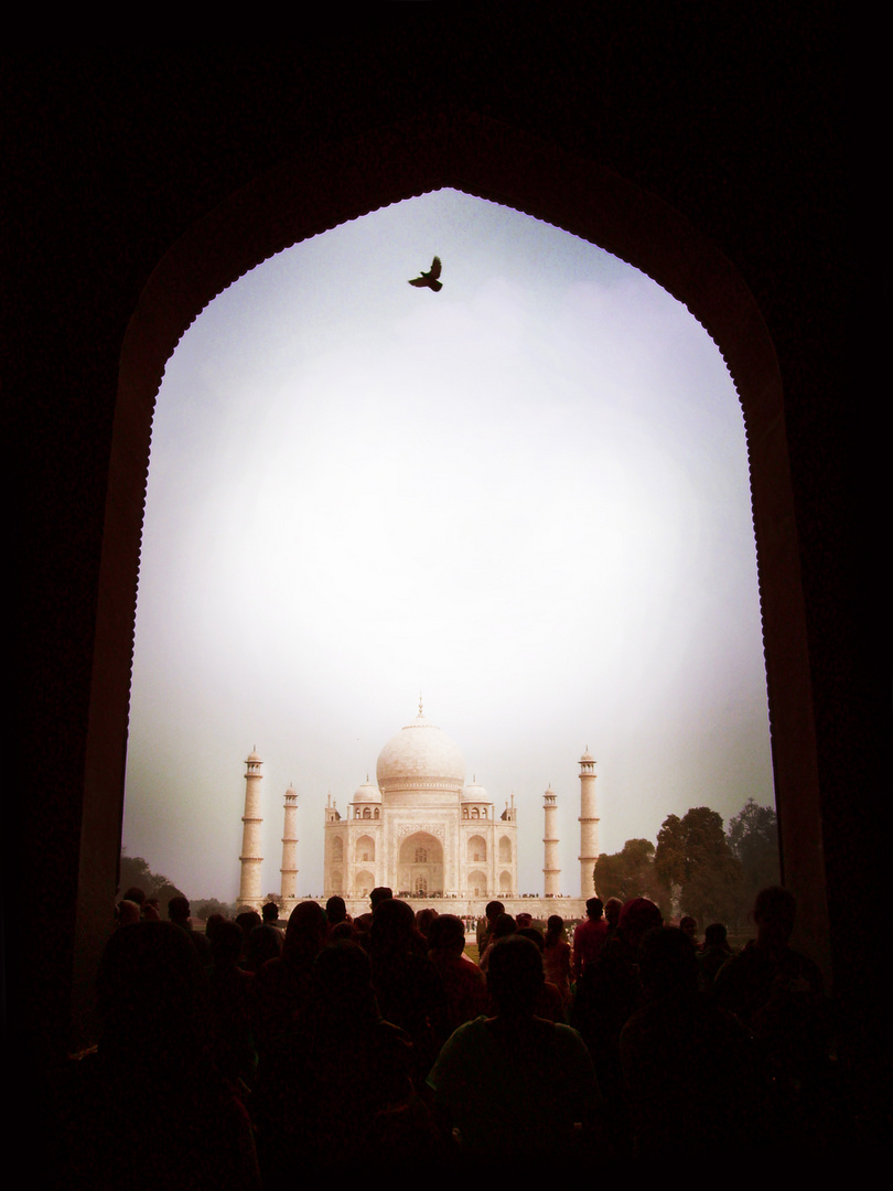 Gate to Taj Mahal