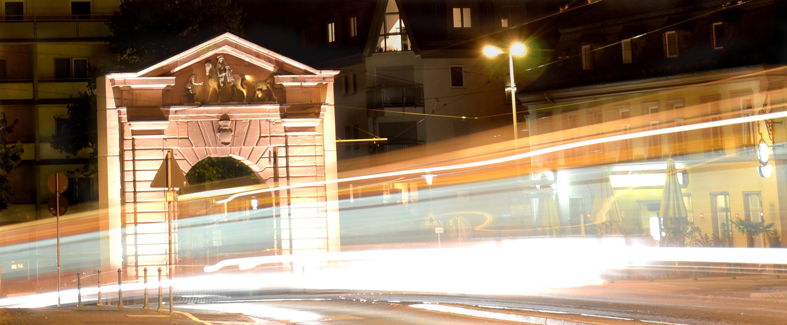 Gautor (Mainz) bei Nacht
