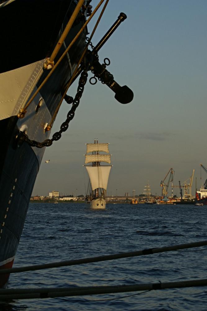 """""""geankerter"""" Windjammer - Hamburger Hafengeburtstag 2008"""