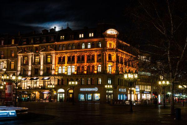 Gebäude am Opernplatz in Frankfurt