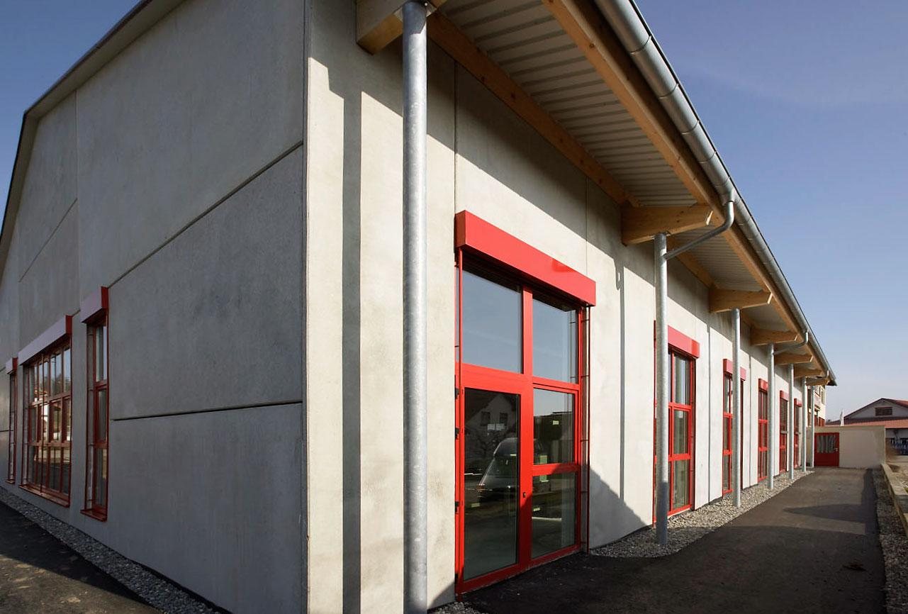 Gebäude der Firma Fensterbauer Engeser Fensterwelt