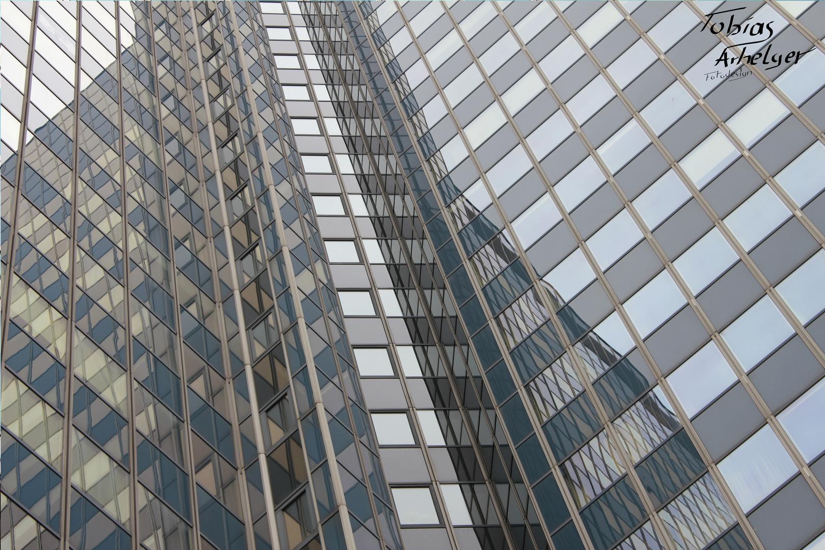 Gebäude Fenster Spiegelungen