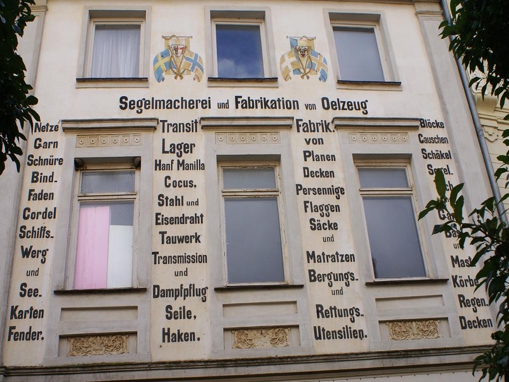 Gebäudewerbung vor vielen Jahren