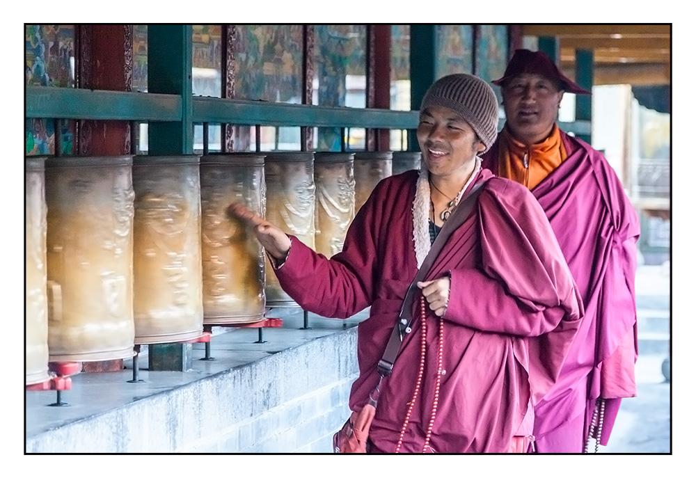 Gebetsmühlen und Mönche