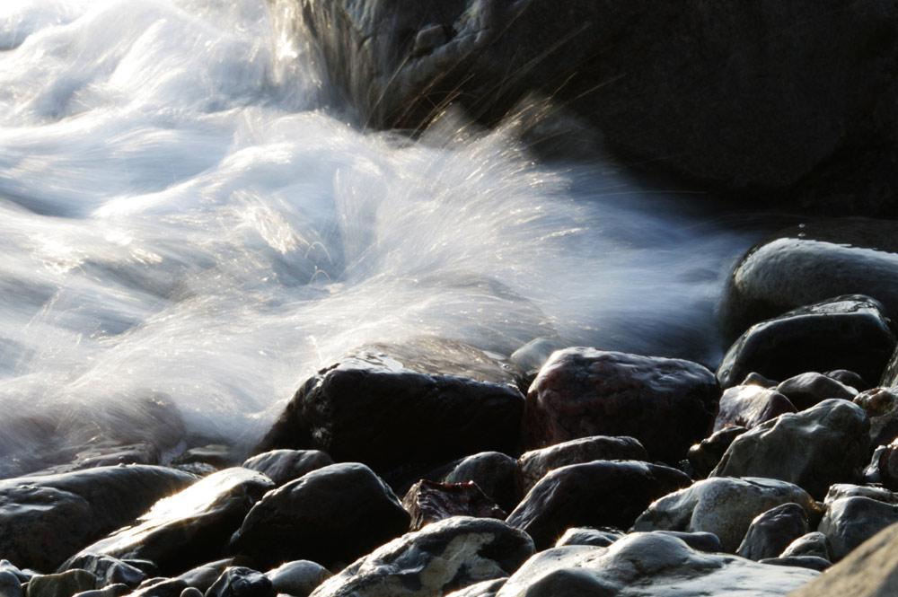 Gebremstes Wasser