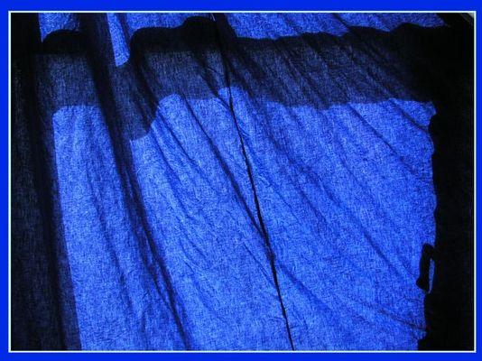 gefaltetes Blau ...