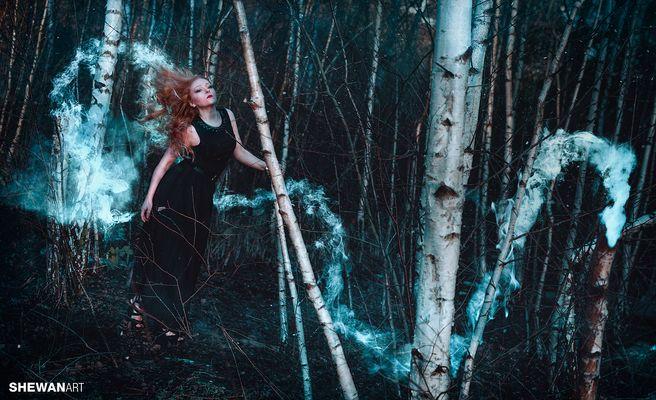 -Gefangen im Wald der Schönen, zieht Sie dich in Ihren Bann-