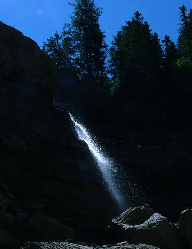 """""""Gefrorener"""" Wasserfall"""