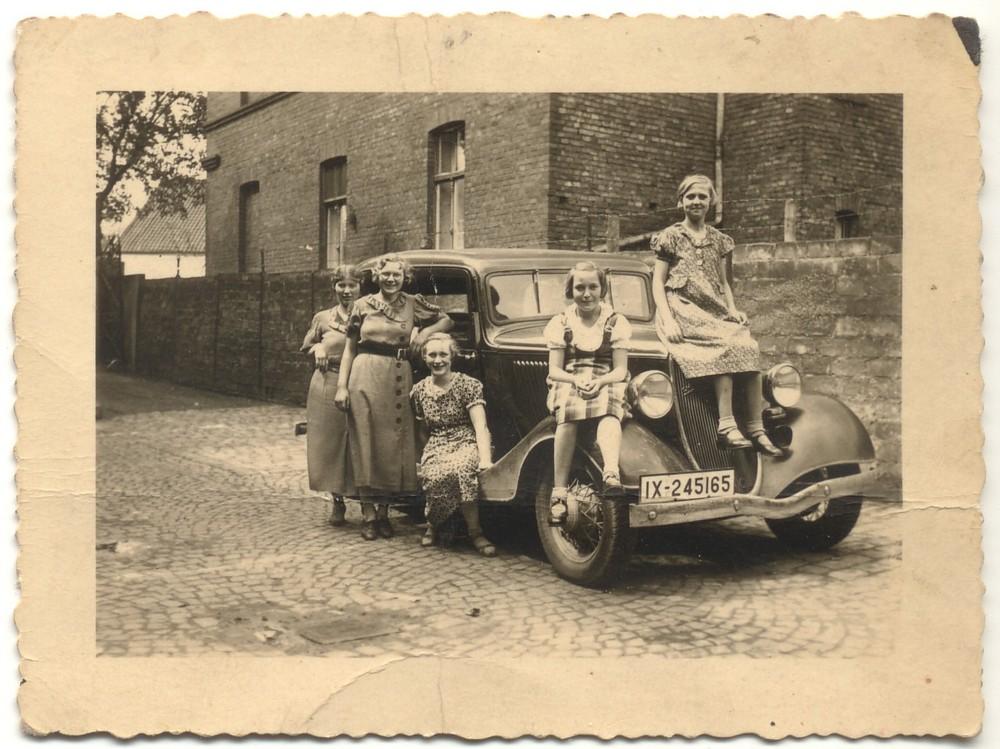 gefunden in alten Familienfotos