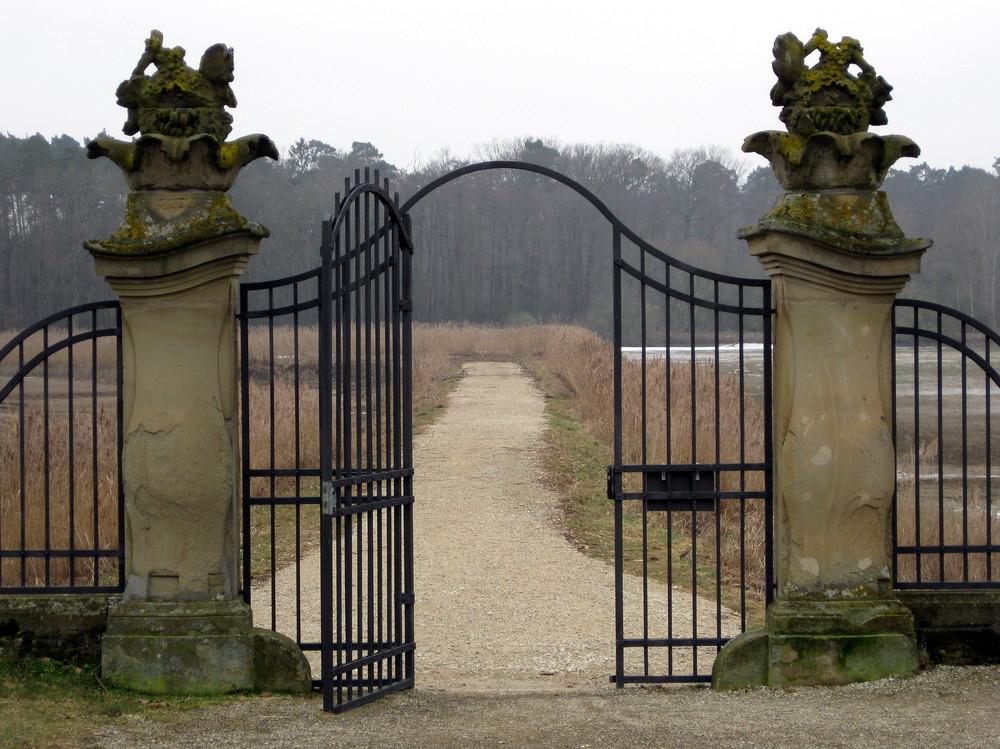 Geh durch das Tor hindurch...