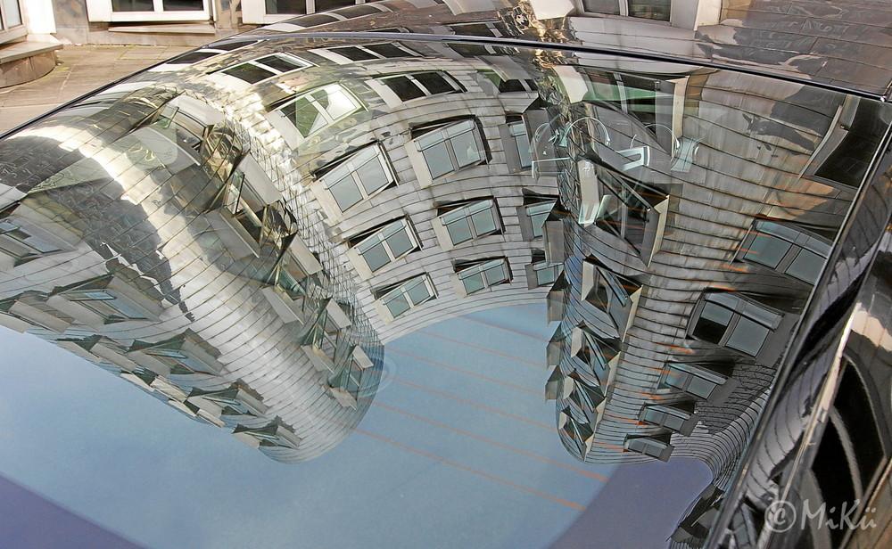 Gehry Bau mal etwas anders gesehen..