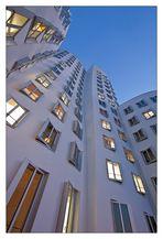* Gehry Bauten Düsseldorf I*
