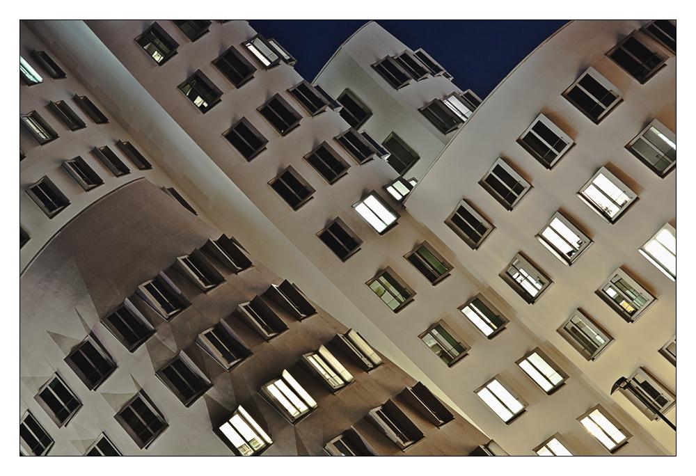 * Gehry Bauten Düsseldorf II Reload *