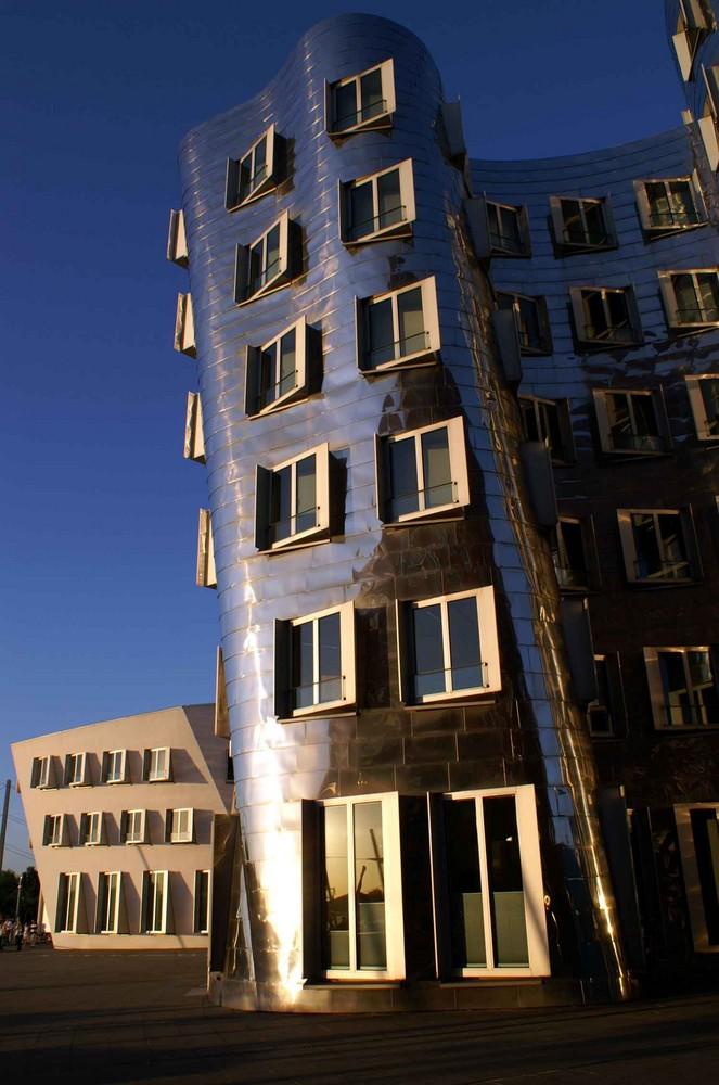 gehry house - Düsseldorf Medienhafen