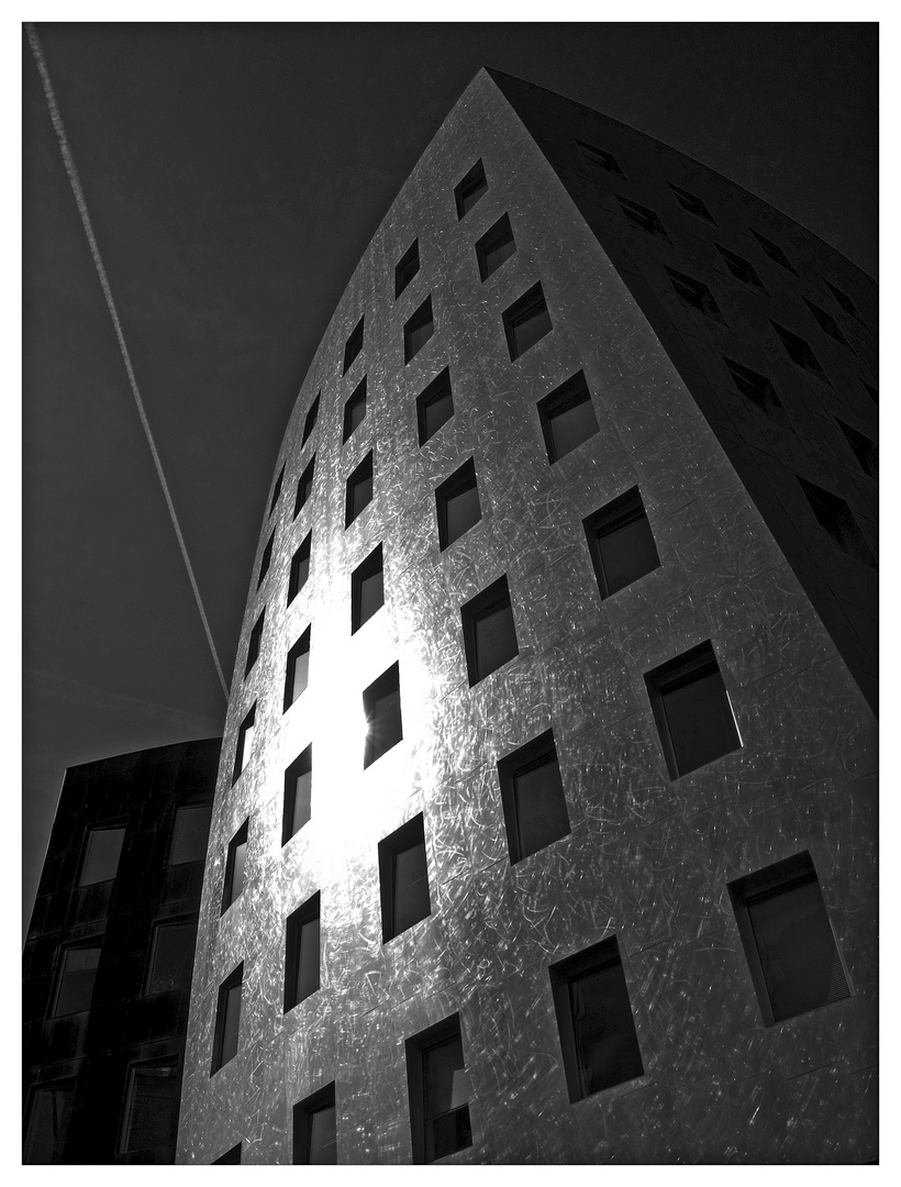 Gehry Tower ...