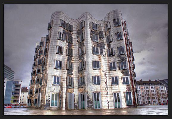 Gehryhochhaus, Medienhafen in Düsseldorf