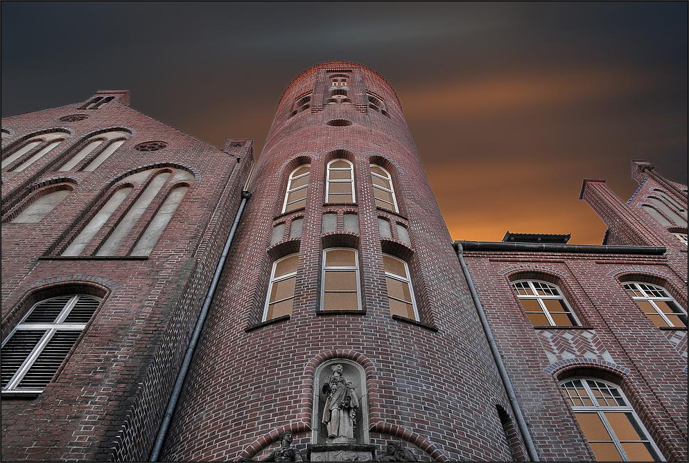 * Geisterhaus *