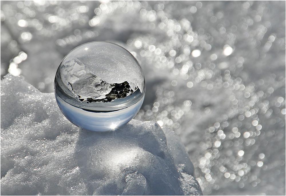 gekugelte Eislandschaft