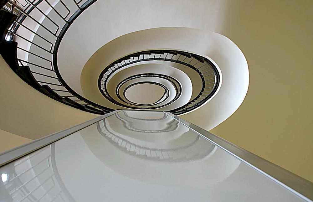 geliebte treppe zerbricht spiegel